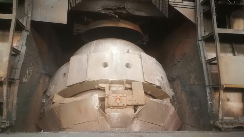 转炉挡渣机构应用示例